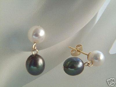 Sorte og Hvide Perle Øreringe i Guld.