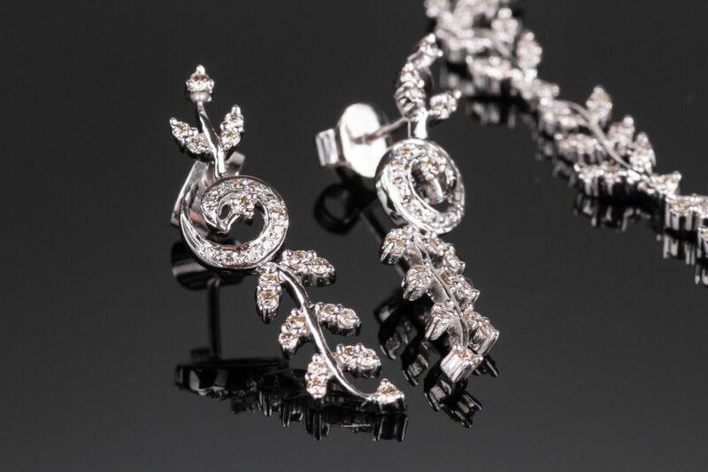 Rokoko Diamant Øreringe i 14 Karat Hvidguld m. 0,50 carat.
