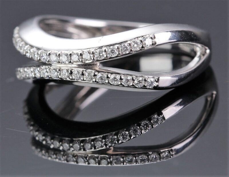 Bremer Jensen Diamant Ring i 14 Karat Hvidguld