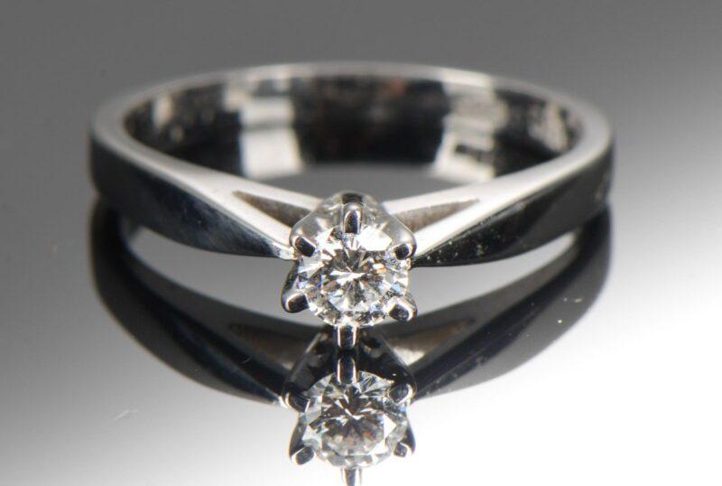 Dansk Solitaire Diamant Ring fra E. Albert Koberg.