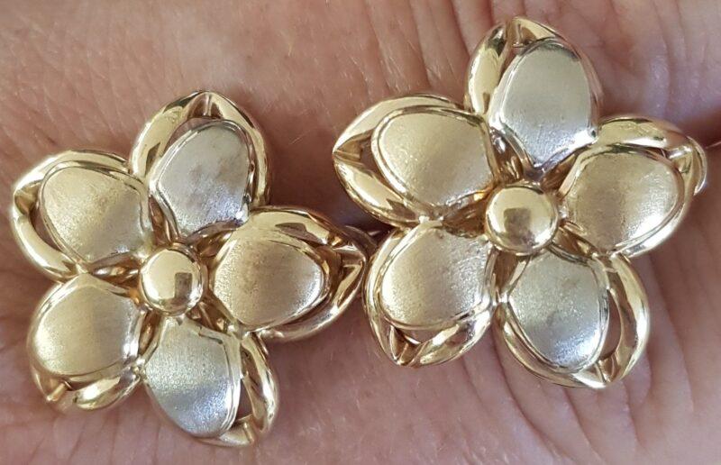 Blomster Øreringe i To Tonet Guld.