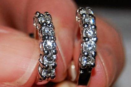Diamant Øreringe, Runde, m. i alt 1,20 carat Diamanter sat i 18 Karat Hvidguld.