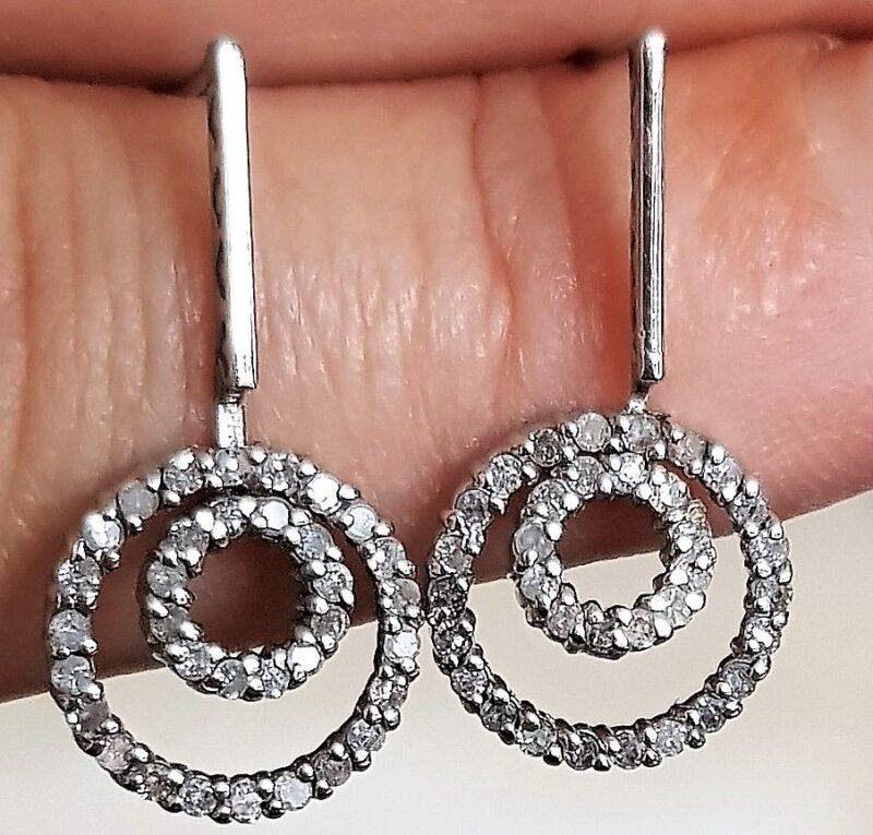 Dobbelt Eternity Diamant Øreringe i 14 Karat Hvidguld m. Total 0,35 carat.