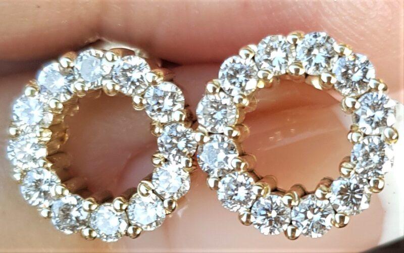 Håndlavede 14 Karat EternityCirkel Øreringe m. I alt 1,27 carat Diamanter i Guld.