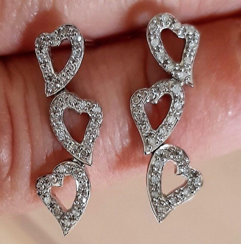 Hænge Diamant Hjerte Øreringe m. i alt 0,25 carat i Hvidguld.