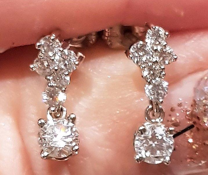 Hænge Vintage Diamant Øreringe m. 0,79 carat Diamanter sat i 14 Karat Hvidguld.
