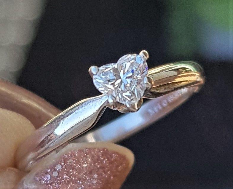 Hjerte Diamant Ring på 0,40 carat. i 14 Karat Hvidguld.