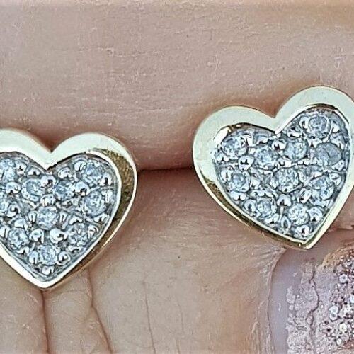 Hjerte Øreringe i Guld m. i alt 0,25 carat Diamanter.