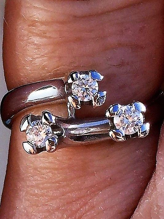 Ole Lynggaard Diamant Ring i 14 Karat Hvidguld.