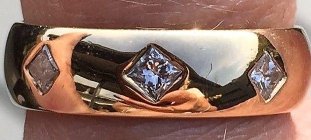Prinsesse Cut Diamant Ring i 14 Karat Guld