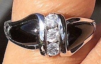 Hvidguld Ring m. Sort Onyx og Diamanter.