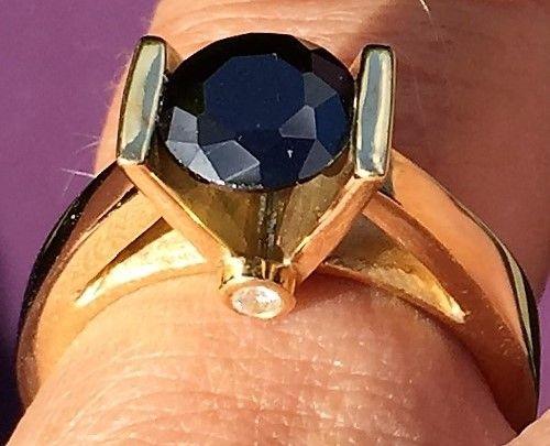 Håndlavet Unika Ring i 14 Karat Guld m. Sort Cubic Zirkon.