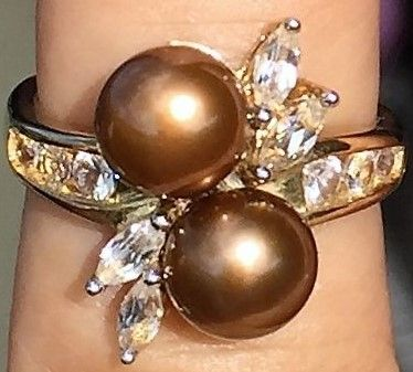 Bronze Farvet Perle Ring i Guld m. Klare Topaser.
