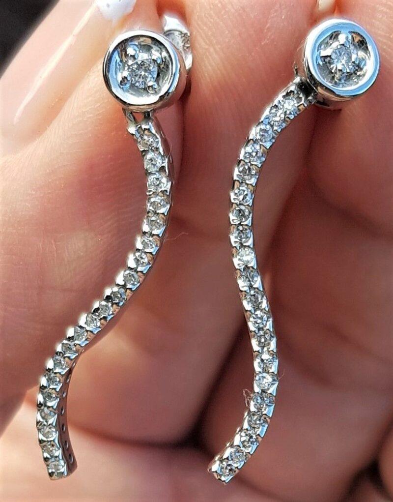 Journey Hænge Øreringe m. i alt 0,45 carat Diamanter.
