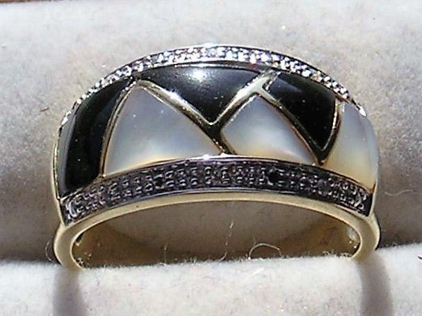 Onyx/Mother of Pearl Ring i 14 Karat Guld