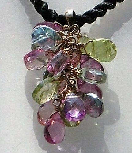 Multi Color Briolette Slebne Topas Vedhæng i 14 Karat Guld.