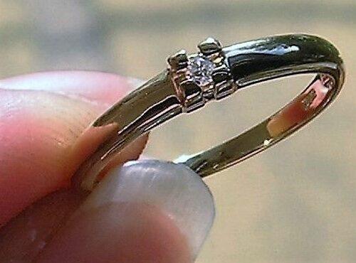 Solitaire Diamant Ring i 14 Karat Guld.