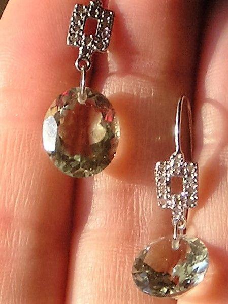 Grønne Ametyst Øreringe m. Diamanter sat i Hvidguld.