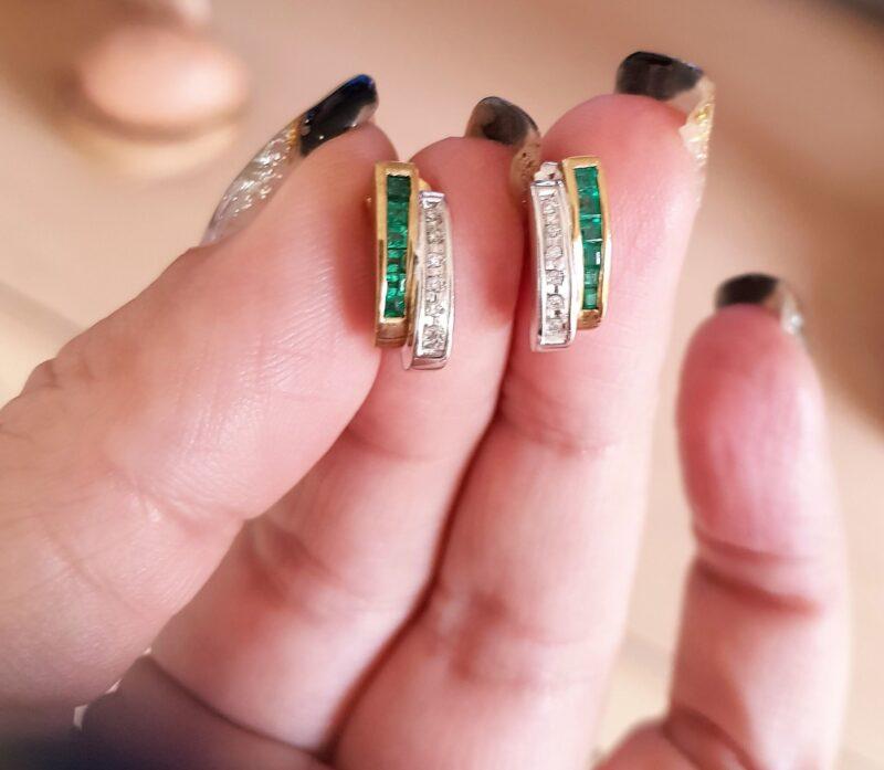 Smaragd, Diamant Øreringe i Guld.
