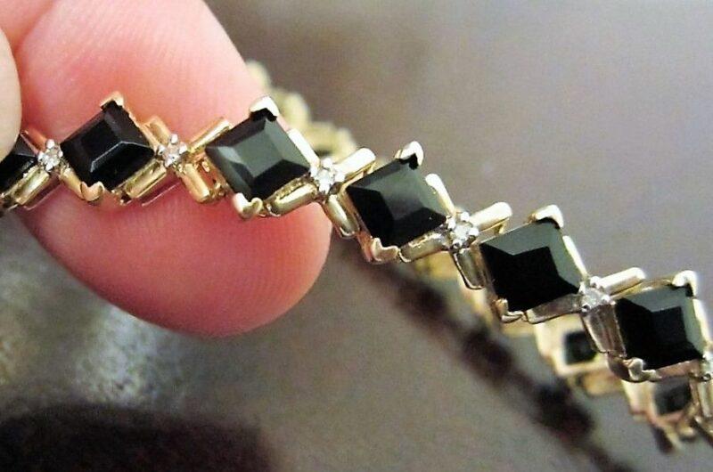 Sort Onyx og Diamant Armlænke i Guld.