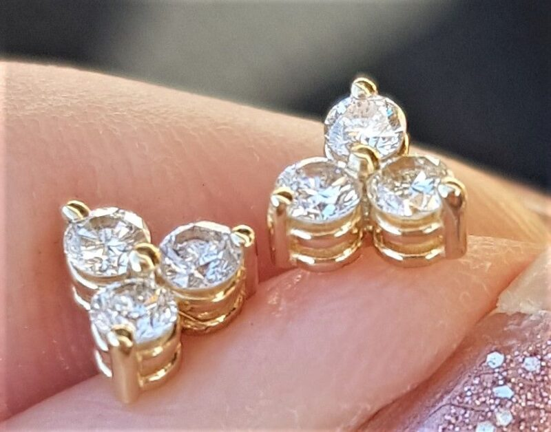 Triangel Diamant Øreringe m. Total 0,28 carat
