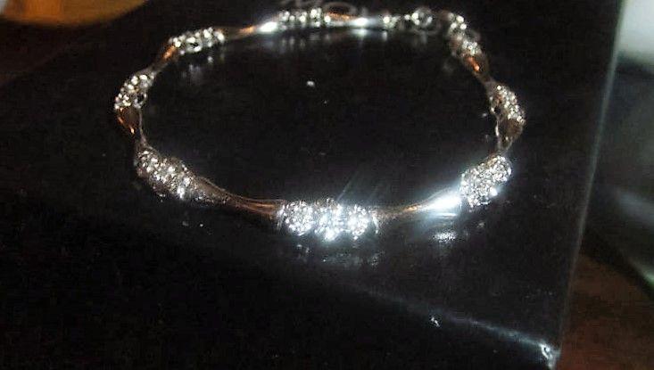 Diamant Armlænke i Bambus Design i Hvidguld m. i alt 0,50 carat.