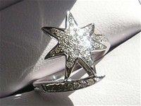 Stjerne Diamant Ring i 14 Karat Hvidguld.