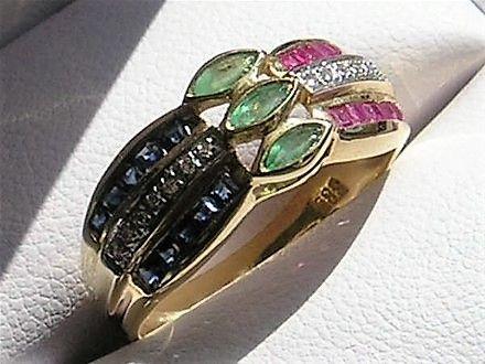 Rubin/Safir/Smaragd/Diamant ring i 14 Karat Guld.