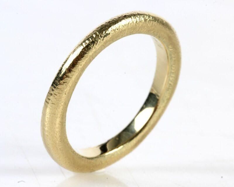 """"""" Nuran"""" 14 Karat Herre Guld Ring i Punslet Design."""