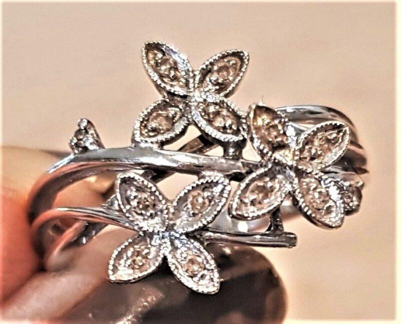 Diamant Ring i Blomster Design m. Champagne Farvede Diamanter.