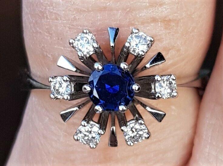 Roset Safir Ring m. diamanter